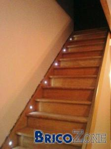 Escalier eclairage des marches for Spot pour escalier interieur