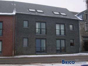briques noires et chassis gris des r f rences de maison. Black Bedroom Furniture Sets. Home Design Ideas