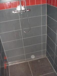 Douche italienne cherche conseils pour jointage for Infiltration douche italienne
