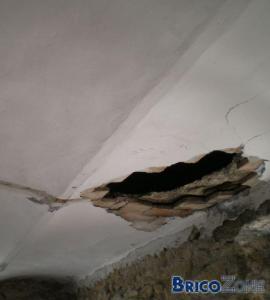 Voussette qui s'effondre contre mur porteur
