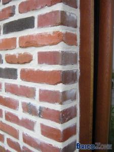 Briques de façade salies après rejointoyage