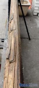R�paration d'une barri�re en bois