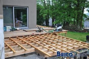 Terrasse bois avec ou sans dale b ton for Dalle de terrasse en bois 1mx1m