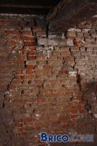 Murs à réparer, comment et quoi après : plafonnage ou gyproc ?