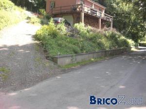 Terrassement et cr�ation d'un parking sur terrain en pente