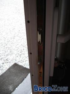 difficile de fermer/d'ouvrir ma porte d'entrée