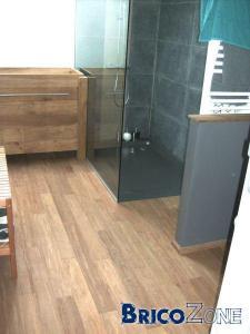 bambou compress� dans la salle de bain, pose, traitement