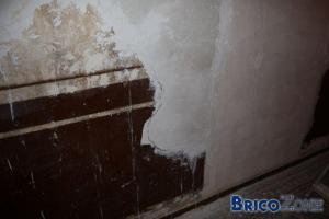 Papier peint sur mur irrégulier