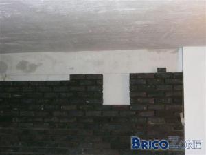 Combler espace entre 2 murs par isolant for Probleme d humidite mur interieur