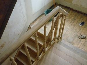 techniques pour sabler un escalier soi m me. Black Bedroom Furniture Sets. Home Design Ideas