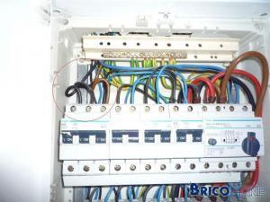 Problème taque électrique: problème de raccord ou de disjoncteur ?