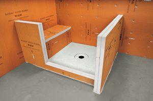 douche carrel e sur vieux plancher. Black Bedroom Furniture Sets. Home Design Ideas