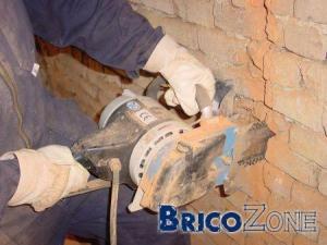 Raboter un mur de briques
