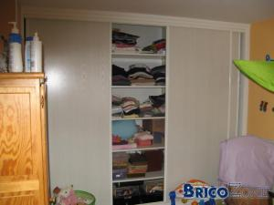 au secours besoin d 39 id es pour r aliser un placard. Black Bedroom Furniture Sets. Home Design Ideas