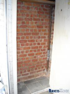 Carreler directement sur mur en brique