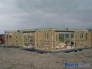 Isolation du radier pour une maison en bois