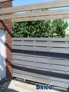 ecran de jardin sur muret avec pillier. Black Bedroom Furniture Sets. Home Design Ideas