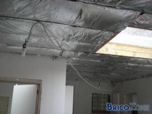 Conseil pour faux plafond toiture plate