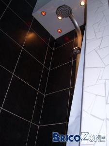 Carrelage mur de ma cabine de douche.