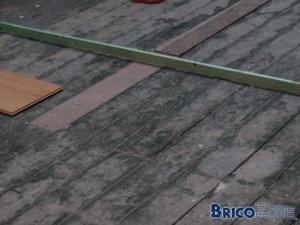 parquet flottant sur plancher du grenier. Black Bedroom Furniture Sets. Home Design Ideas