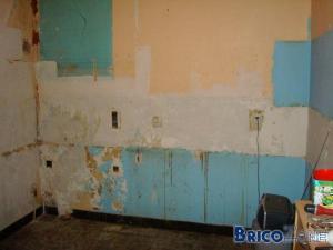 Comment réparer mur en torchi/brique/platre dans une cuisine?