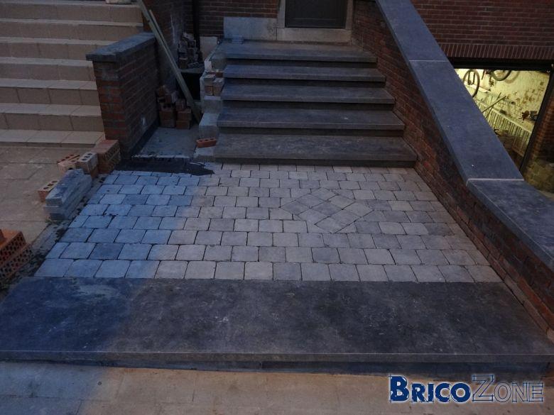 Escalier ext rieur en pierre bleue for Carrelage exterieur imitation pierre bleue
