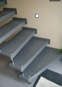 Fabrication escalier � marche encastr�e