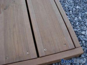 terrasse en bois - mais pas exotique