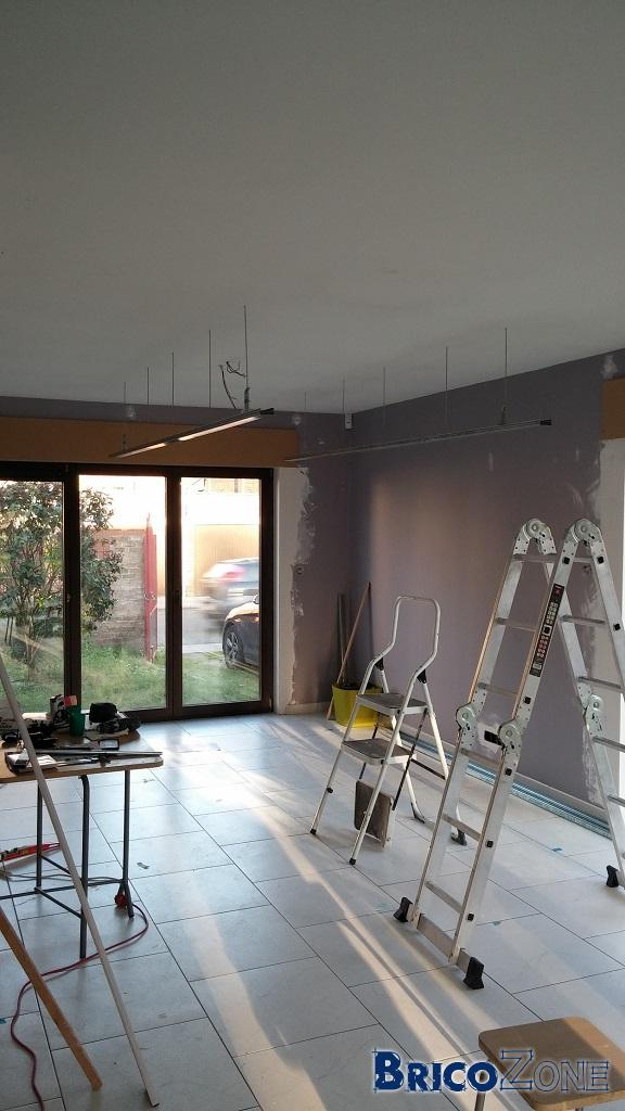 Eclairage indirect faux plafond for Plafond suspendu lumineux