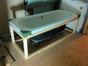 structure du support baignoire en bois bonne id e. Black Bedroom Furniture Sets. Home Design Ideas