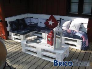 un lit pas cher et design