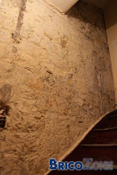 Devis Ravalement mur pierres interieur cage d'escalier