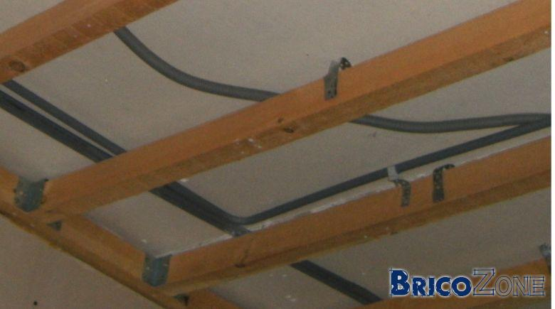 Renovation ancien plafond structure en bois for Structure de bois