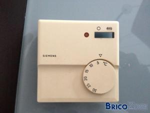 Thermostat pour chauffage accu