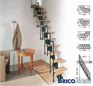 Escalier vers lit en mezzanine