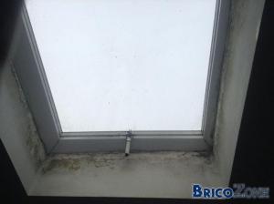 CONDENSATION: grosses taches noires au plafond ! Que faire ???