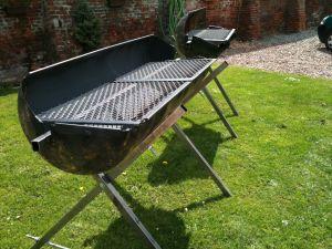 grille barbecue demi tonneau. Black Bedroom Furniture Sets. Home Design Ideas