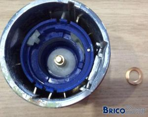 A votre avis, bouton cass� ou d�viss� : mitigeur thermostatique groh�