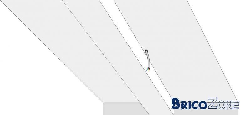 eclairage poutre amnagement de studio loft industriel aux murs briques et plafond avec poutres. Black Bedroom Furniture Sets. Home Design Ideas