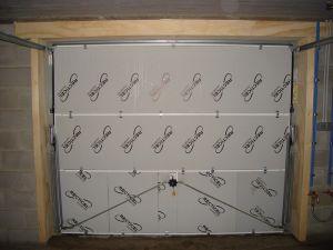 isolation et porte de garage basculante. Black Bedroom Furniture Sets. Home Design Ideas