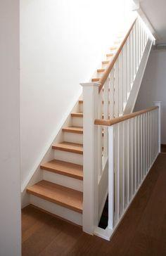 Peindre escalier en bois en blanc naturel for Peindre un escalier en bois