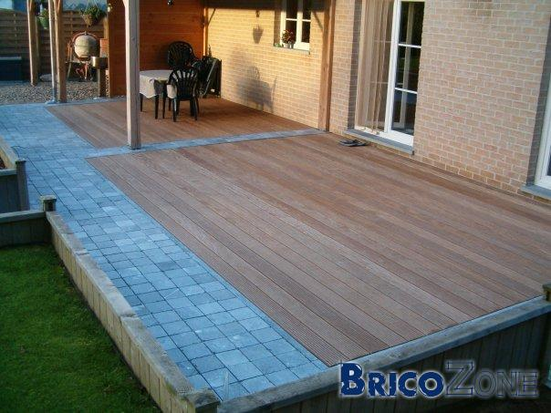 terrasse en bois ou carrelage terrasse en bois composite fiberdeck carrelage extrieur with. Black Bedroom Furniture Sets. Home Design Ideas