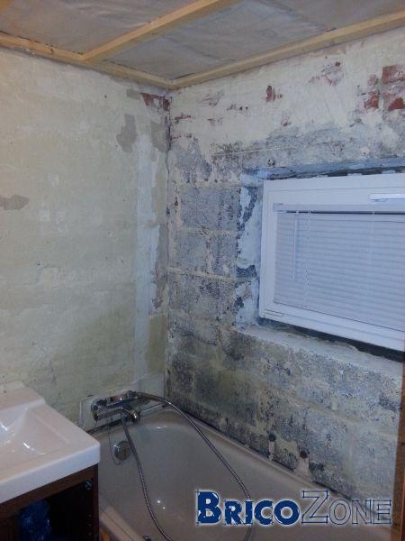 mur pas droit recouvrir faience salle de bain carrelage sur mur pas droit travaux interieur. Black Bedroom Furniture Sets. Home Design Ideas
