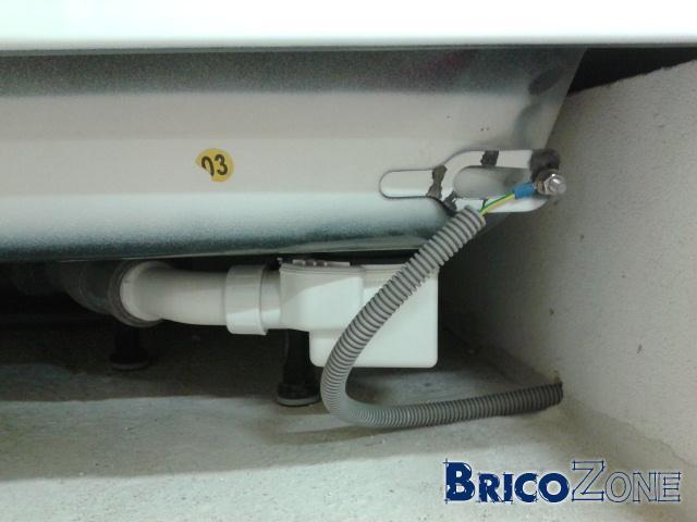 Connexion quipotentielle secondaire dans une prise - Liaison equipotentielle salle de bain ...