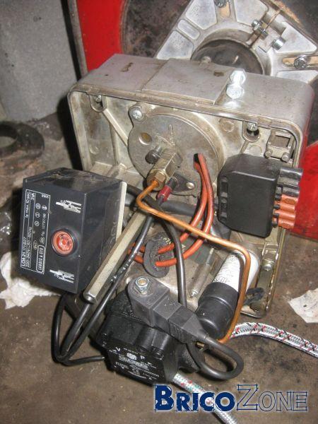 Pb condensateur ou moteur bruleur - Reglage bruleur fioul ...