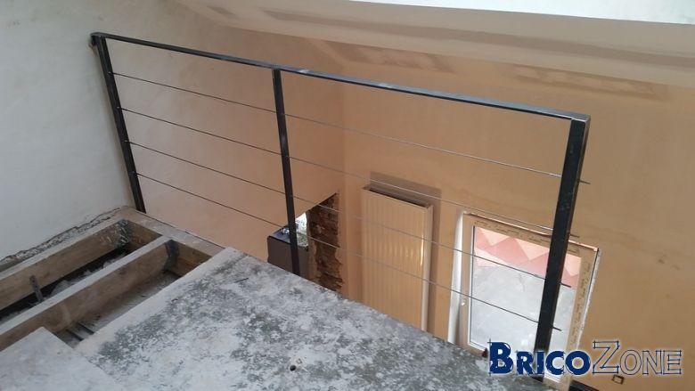 escalier acier cr maill re coupe laser. Black Bedroom Furniture Sets. Home Design Ideas