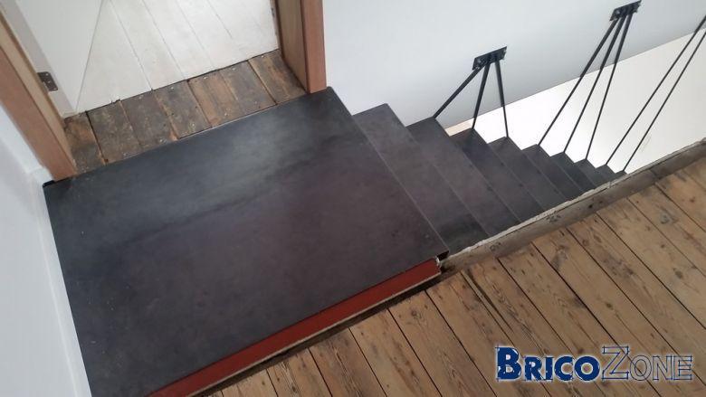 escalier acier t le pli e 3mm. Black Bedroom Furniture Sets. Home Design Ideas