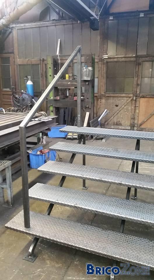 Escaliers bardage mobilier for Fondation escalier exterieur