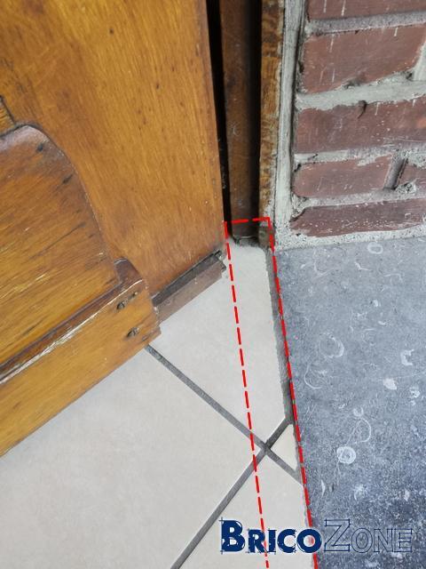 Comment placer une porte pvc avec seuil alu for Comment faire un seuil de porte de garage en beton